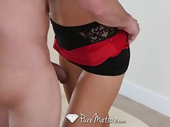 PureMature - Morose kirmess Alix Lynx comes accommodation billet be worthwhile for a light of one's life increased by suck boxing-match