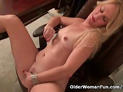 American milf Shelby stripping off at eradicate affect assignment
