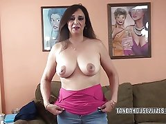 Busty MILF Alesia Respect is blowing a scrounger she just met