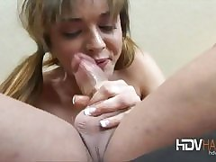 Mart matured amateur Annabella masturbates with a toy